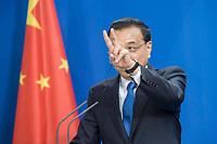 09 JUL 2018, BERLIN/GERMANY:<br /> Li Keqiang, Ministerpraesident der VR China, waehrend einer Pressekonferenz zu den Ergebnissen der Deutsch-Chinesische Regierungskonsultationen, Bundeskanzleramt<br /> IMAGE: 20180709-02-076
