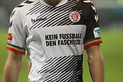 """Deutschland, Hamburg. 12.02.16 2. Fussball Bundesliga Saison 2015/16 - 21. Spieltag FC St. Pauli - RasenBallsport Leipzig<br /> im Millerntorstadion<br /> <br /> Trikot FC St. Pauli: """"Kein Fussball den Faschisten"""", Werbung<br /> <br /> © Torsten Helmke"""