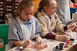 Primary school art lesson UK
