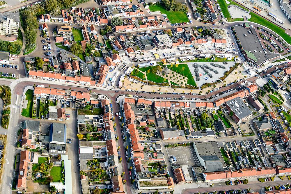 Nederland, Zeeland, Zeeuws-Vlaanderen, 19-10-2014; centrum Breskens met dorpsstraat (midden) en Spuiplein.<br /> Downtown Breskens with its mainstreet Villagestreet (Dorpsstraat).<br /> <br /> luchtfoto (toeslag op standard tarieven);<br /> aerial photo (additional fee required);<br /> copyright foto/photo Siebe Swart
