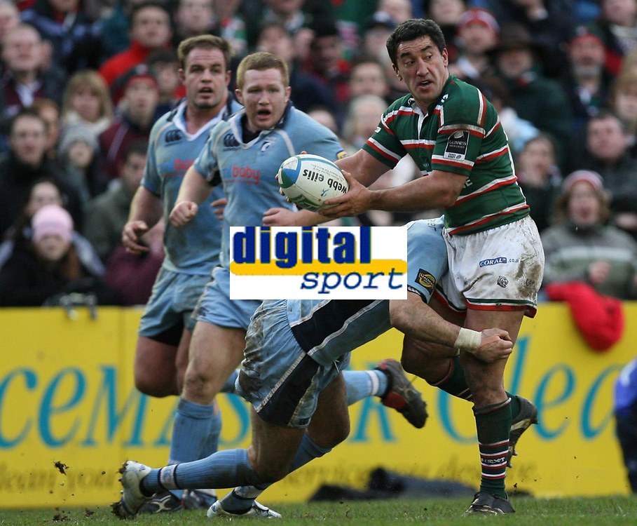 Photo: Rich Eaton.<br /> <br /> Leicester Tigers v Cardiff Blues. Heineken Cup. 13/01/2007. Daryl Gibson right attacks for Leicester
