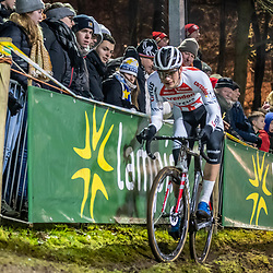 2019-12-29: Cycling: Superprestige: Diegem: David van der Poel keepin the balance on the offcamber