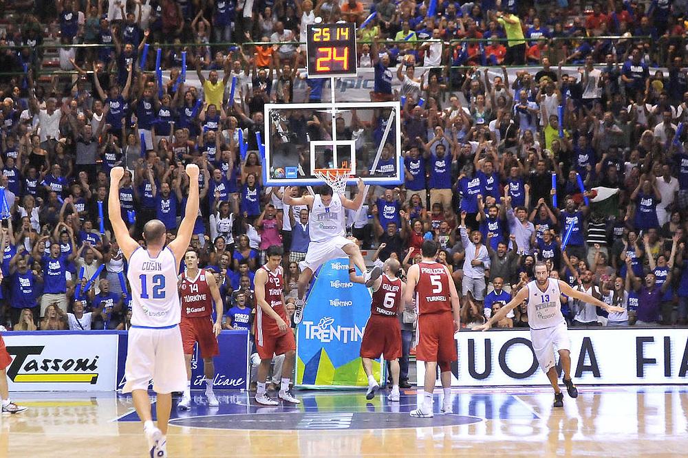 Cagliari, 21/08/2012<br /> Basket, Eurobasket 2013 Qualifying Round<br /> Italia - Turchia<br /> Nella foto: Danilo Gallinari Marco Cusin<br /> Foto Ciamillo