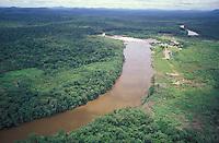 Rio en la selva, Amazonas, Venezuela.