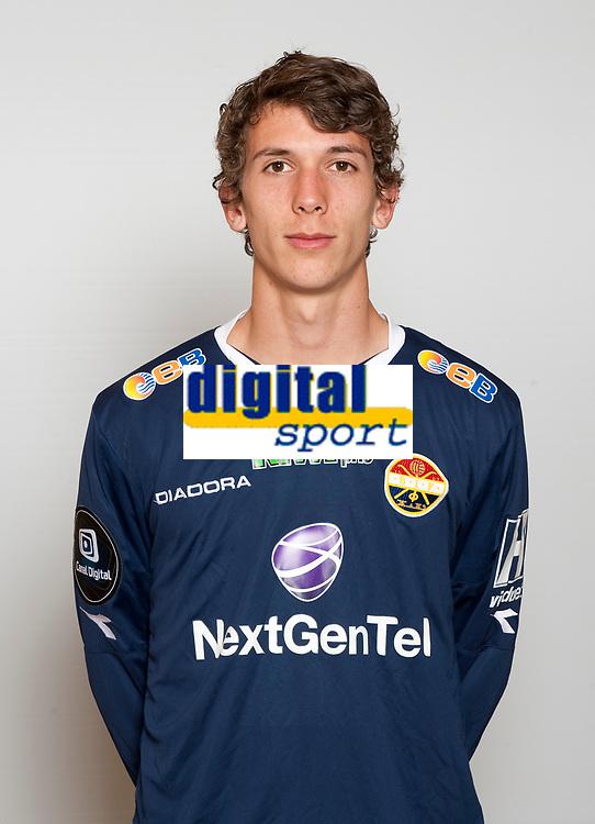 Fotball<br /> 2012 Tippeligaen<br /> Eliteserien<br /> portrett<br /> portretter Strømsgodset<br /> Gustav Mendonca Wikheim