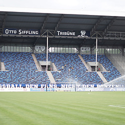 Erneut leere Ränge im Carl-Benz-Stadion beim Spiel in der 3. Liga, SV Waldhof Mannheim - SG Sonnenhof Großaspach.<br /> <br /> Foto © PIX-Sportfotos *** Foto ist honorarpflichtig! *** Auf Anfrage in hoeherer Qualitaet/Aufloesung. Belegexemplar erbeten. Veroeffentlichung ausschliesslich fuer journalistisch-publizistische Zwecke. For editorial use only. DFL regulations prohibit any use of photographs as image sequences and/or quasi-video.