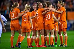 05-04-2019 NED: Netherlands - Mexico, Arnhem<br /> Friendly match in GelreDome Arnhem. Netherlands win 2-0 / Lieke Martens #11 of The Netherlands scores 2-0, Sherida Spitse #8 of The Netherlands, Jill Roord #12 of The Netherlands, Desiree van Lunteren #2 of The Netherlands, Dominique Bloodworth #20 Janssen of The Netherlands, Anouk Dekker #6 of The Netherlands, Vivianne Miedema #9 of The Netherlands