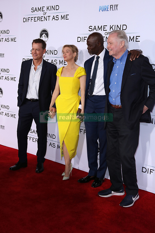 """Greg Kinnear, Renee Zellweger, Djimon Hounsou, Jon Voigt at the Paramount Pictures And Pure Flix Entertainment's """"Same Kind Of Different As Me"""" Premiere held at the Westwood Village Theatre on October 12, 2017 in Westwood, California, USA (Photo by Art Garcia/Sipa USA)"""