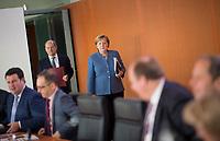 DEU, Deutschland, Germany, Berlin, 07.11.2018: Bundeskanzlerin Dr. Angela Merkel (CDU) und Bundesfinanzminister Olaf Scholz (SPD) vor Beginn der 31. Kabinettsitzung im Bundeskanzleramt.