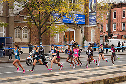 NYC Marathon, Moreira leads pack in mile 4 in Brooklyn