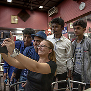 2016 10 14 Rishikesh Uttarakhand Indien<br /> Indiska ungdomar fotograferar Cariina och Roger<br /> <br /> ----<br /> FOTO : JOACHIM NYWALL KOD 0708840825_1<br /> COPYRIGHT JOACHIM NYWALL<br /> <br /> ***BETALBILD***<br /> Redovisas till <br /> NYWALL MEDIA AB<br /> Strandgatan 30<br /> 461 31 Trollhättan<br /> Prislista enl BLF , om inget annat avtalas.
