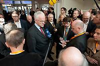 22 MAR 2010, BERLIN/GERMANY:<br /> Juergen Ruettgers, CDU, Ministerpraesident Nordrhein-Westfalen, im Gespraech mit Journalisten, Tagung CDU Bundesausschuss, Hotel Berlin, Berlin<br /> IMAGE: 20100322-01-003<br /> KEYWORDS: Sitzung, Medien, Mikrofon, microphone, Kamera, Camera, Jürgen Rüttgers