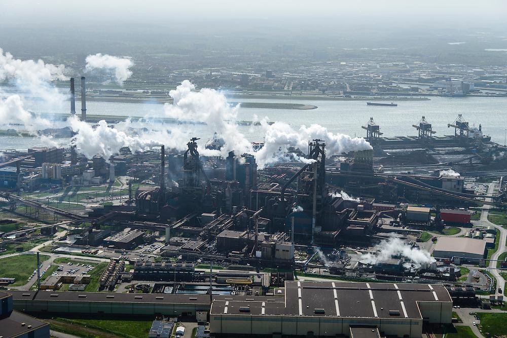 Nederland, Noord-Holland, IJmuiden , 09-04-2014; IJmuiden Steel Works van Tata Steel, Walserijen (voorgrond) en de  Hoogovens.<br /> IJmuiden Steel Works, part of Tata Steel. <br /> luchtfoto (toeslag op standard tarieven);<br /> aerial photo (additional fee required);<br /> copyright foto/photo Siebe Swart