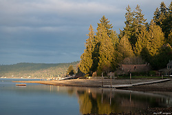 North America, United States, Washington, beach on Hood Canal