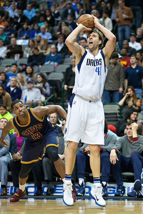 DALLAS, TX - JANUARY 12:  Dirk Nowitzki #41 of the Dallas Mavericks shoots a jump shot during a game against the Cleveland Cavaliers at American Airlines Center on January 12, 2016 in Dallas, Texas.  NOTE TO USER: User expressly acknowledges and agrees that, by downloading and or using this photograph, User is consenting to the terms and conditions of the Getty Images License Agreement.  The Cavaliers defeated the Mavericks 110-107.  (Photo by Wesley Hitt/Getty Images) *** Local Caption *** Dirk Nowitzki