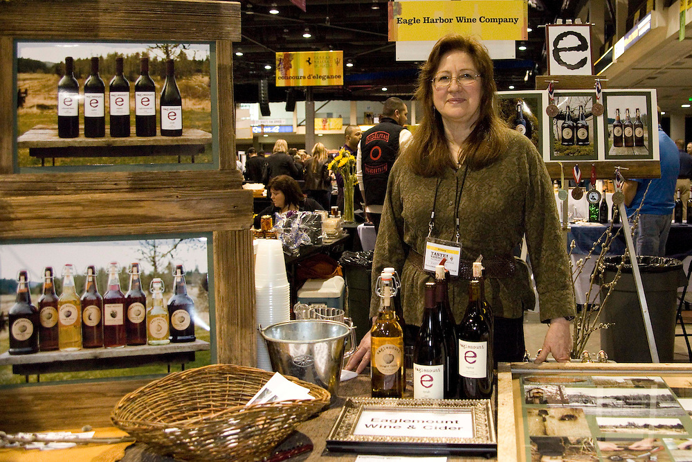 The Washtington State Wine commission organized the Taste Washington  Grand Tasting  event at the Seattle Qwest Event Center on 3/27/11