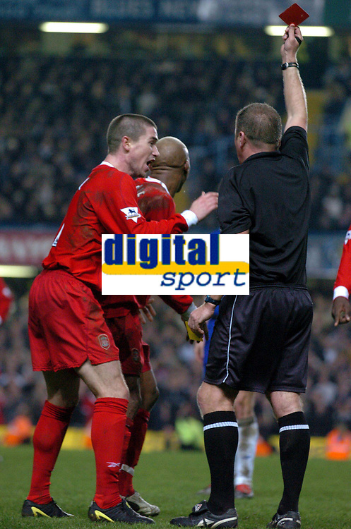 EL HADJI DIOUF LIVERPOOL IS SHOWN THE RED CARD BY REFEREE STEVE DUNN<br />CHELSEA V LIVERPOOL PREMIER LEAGUE 07/01/04 <br />PHOTO ROBIN PARKER FOTOSPORTS INTERNATIONAL