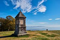 France, Saône-et-Loire (71), Saint-Léger-sous-Beuvray, oppidum de Bibracte, capitale du peuple celte des Éduens, le site archéologique sur le mont Beuvray, l'esplanade de La Chaume, parc naturel régional du Morvan // France, Saône-et-Loire, Saint-Léger-sous-Beuvray, Bibracte, a Gaulish oppidum or fortified city