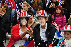 Trafalgar Square London , UK  29/04/2011. The Royal Wedding of HRH Prince William to Kate Middleton. 8am crowds await the big moment . Photo credit should read ALAN ROXBOROUGH/LNP