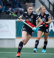 AMSTELVEEN - Filiz Tuzgöl (Amsterdam)  tijdens de competitie hoofdklasse hockeywedstrijd dames, Amsterdam-HDM (1-1).  COPYRIGHT KOEN SUYK