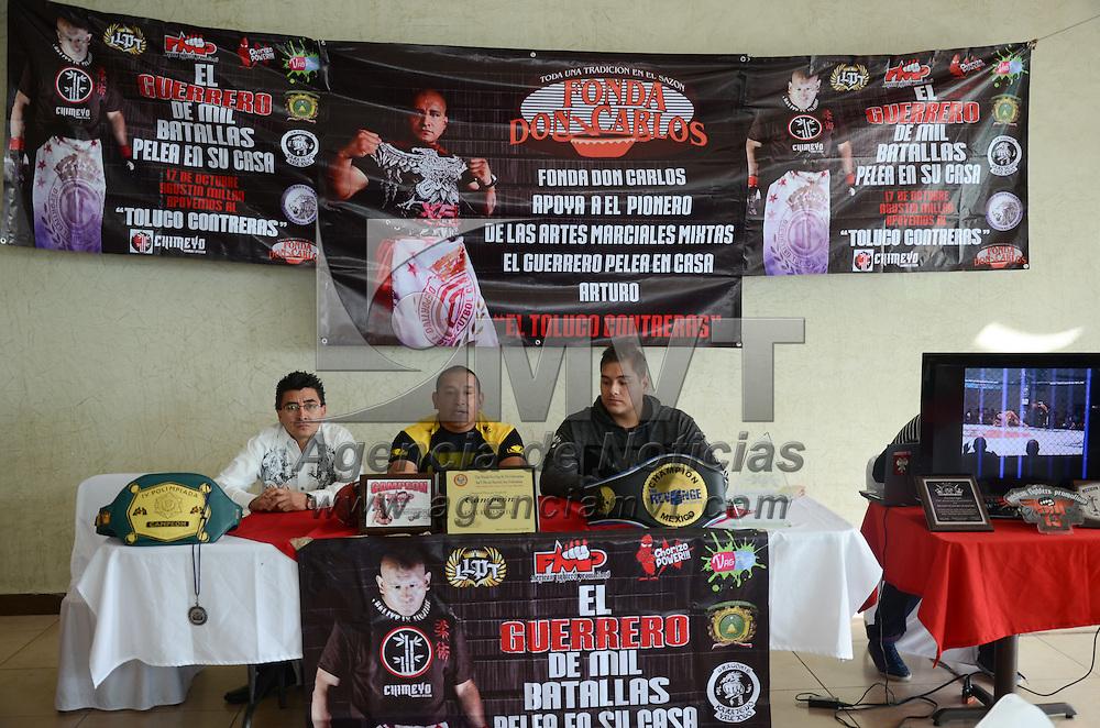 """Toluca, México.- Arturo """"El Toluco"""" Contreras, peleador profesional, durante conferencia de prensa, donde anunció la función de Artes Marciales Mixtas que se presentará el próximo 17 de octubre, en el Gimnasio de la Unidad Deportiva Agustín Millán. Agencia MVT / Arturo Hernández."""