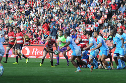 14-07-18 Johannesburg. Emirates Airlines Park. Emirates Lions vs Vodacom Blue Bulls.<br /> 1st half. Lions scrumhalf Ross Cronje about to feed his backline<br /> Picture: Karen Sandison/African News Agency (ANA)