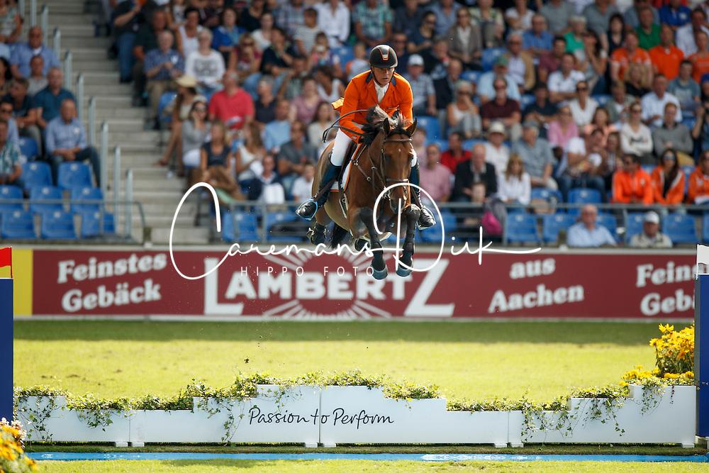 Dubbeldam Jeroen, (NED), SFN Zenith NOP<br /> Team completion and 2nd individual qualifier<br /> FEI European Championships - Aachen 2015<br /> © Hippo Foto - Dirk Caremans<br /> 20/08/15