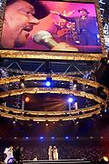 SAMEN MET DRÉ IN DE ARENA - in de Amsterdam ArenA<br /> <br /> Op de foto:  André jr and Roxeanne Hazes