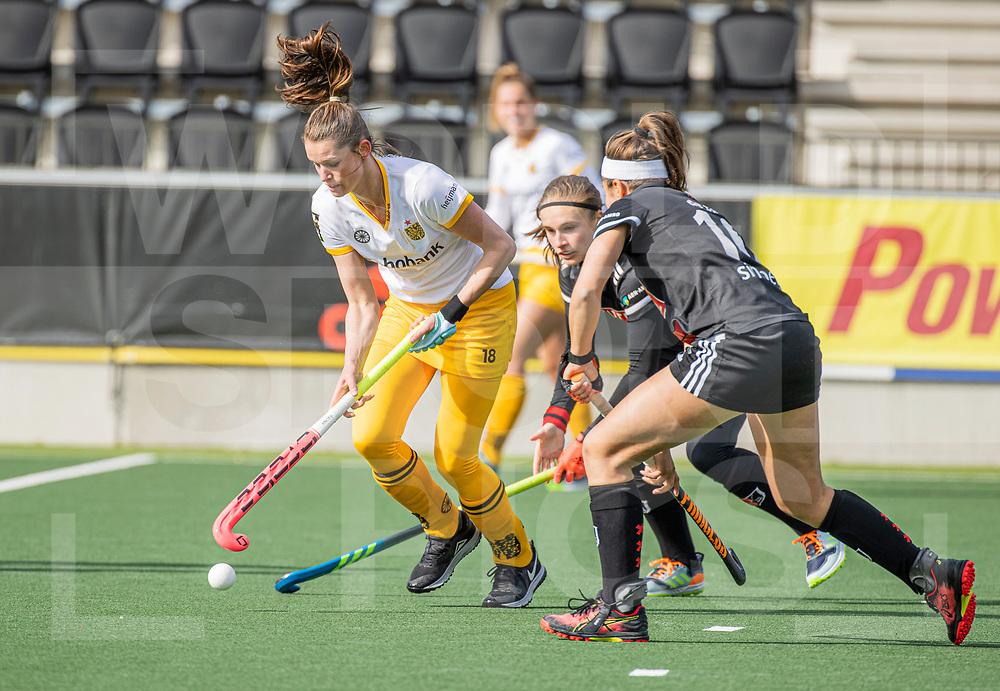 AMSTELVEEN - Lidewij Welten (DenBosch)  tijdens  de hoofdklasse hockey competitiewedstrijd dames, Amsterdam-Den Bosch (0-1)  COPYRIGHT WORLDSPORTPICS KOEN SUYK