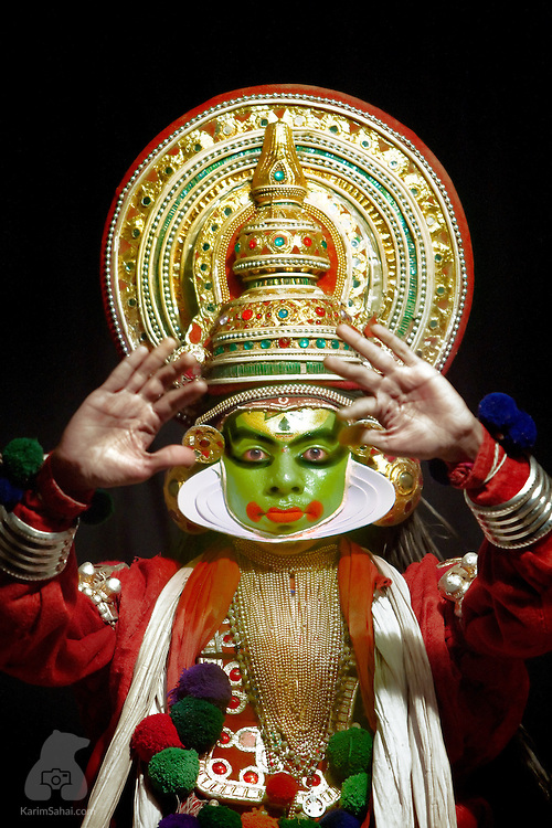 A Kathakali artist is in full regalia is one of the most iconic images of Kerala. The artform is one of the oldest theatre styles in the world. It elaborately mixes dance, drama and live music to create unique performances portraying characters from the Ramayana and Mahabharata epics.
