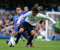 BARCLAYS PREMIERSHIP-19 SEPT-04-CHELSEA v TOTTENHAM-PIC BY KIERAN GALVIN / COLORSPORT-PEDRO MENDES HOLDS OF FRANK LAMPARD.
