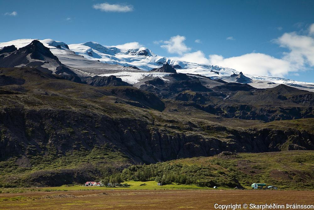 The farm Kvisker and Öræfajökull volcano, south Iceland