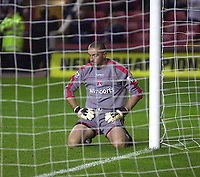 Photo. Glyn Thomas<br />Charlton Athletic v Luton Town. Carling Cup 2nd round.<br />The Valley, Charlton. 23/09/2003.<br />Charlton keeper Dean Kiely cannot believe what has happened after he allowed Luton to equalise in the second half of extra time.