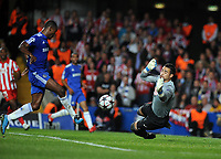 Stamford Bridge Chelsea v Athletico Madrid Champions League 21/10/2009<br /> Salomon Kalou (Chelsea)  scores first goal<br /> Photo Roger Parker Fotosports International