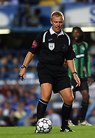 Photo: Chris Ratcliffe.<br /> Chelsea v Glasgow Celtic. Pre Season Friendly. 09/08/2006.<br /> Graham Poll on the ball.
