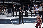 DESCRIZIONE : Bologna Lega A 2015-16 Obiettivo Lavoro Virtus Bologna - Umana Reyer Venezia<br /> GIOCATORE : Giorgio Valli<br /> CATEGORIA : Allenatore Coach Mani Delusione<br /> SQUADRA : Umana Reyer Venezia<br /> EVENTO : Campionato Lega A 2015-2016<br /> GARA : Obiettivo Lavoro Virtus Bologna - Umana Reyer Venezia<br /> DATA : 04/10/2015<br /> SPORT : Pallacanestro<br /> AUTORE : Agenzia Ciamillo-Castoria/GiulioCiamillo<br /> <br /> Galleria : Lega Basket A 2015-2016 <br /> Fotonotizia: Bologna Lega A 2015-16 Obiettivo Lavoro Virtus Bologna - Umana Reyer Venezia