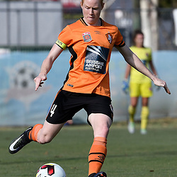BRISBANE, AUSTRALIA - JANUARY 1: Clare Polkinghorne of the Roar passes the ball during the round 10 Westfield W-League match between the Brisbane Roar and Melbourne Victory at AJ Kelly Park on January 1, 2017 in Brisbane, Australia. (Photo by Patrick Kearney/Brisbane Roar)