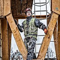 Kranmontør Rasmus Delfs her er han igang med at montere en kran på Ingerslevs Alle i Århus