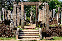 Sri Lanka, province du Centre-Nord, cité historique de Polonnaruwa, classée au Patrimoine Mondial de l'UNESCO, quadrilatere, terrasse de la dent, Hatadage, salle capitulaire, Chambre de la dent // Sri Lanka, Ceylon, North Central Province, ancient city of Polonnaruwa, UNESCO World Heritage Site, quadrangle, Hatadage temple, Tooth Relic Chamber