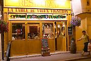 la table du vieux vigneron restaurant rue fg madeleine beaune cote de beaune burgundy france
