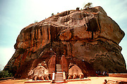SRI LANKA, ANCIENT CULTURE Sigiriva, ancient fortress atop rock