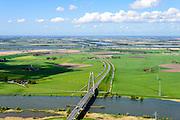 Nederland, Overijssel, Gemeente Kampen, 07-05-2015. Kampereiland met  autoweg N50 en Eilandbrug over de IJssel,  ten noorden van Kampen.<br /> Bridge acros river IJssel.<br /> luchtfoto (toeslag op standard tarieven);<br /> aerial photo (additional fee required);<br /> copyright foto/photo Siebe Swart