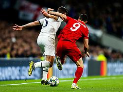 Jan Vertonghen of Tottenham Hotspur and Robert Lewandowski of Bayern Munich - Rogan/JMP - 01/10/2019 - FOOTBALL - Tottenham Hotspur Stadium - London, England - Tottenham Hotspur v Bayern Munich - UEFA Champions League Group B.
