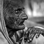 2016 10 14 Rishikesh Uttarakhand Indien<br /> Porträtt av en indisk kvinna<br /> <br /> <br /> ----<br /> FOTO : JOACHIM NYWALL KOD 0708840825_1<br /> COPYRIGHT JOACHIM NYWALL<br /> <br /> ***BETALBILD***<br /> Redovisas till <br /> NYWALL MEDIA AB<br /> Strandgatan 30<br /> 461 31 Trollhättan<br /> Prislista enl BLF , om inget annat avtalas.