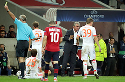 23.10.2012, Grand Stade Lille Metropole, Lille, OSC Lille vs FC Bayern Muenchen, im Bild Trainer Jupp HEYNCKES (FC Bayern Muenchen) redet mit Toni KROOS (FC Bayern Muenchen - 39) // during UEFA Championsleague Match between Lille OSC and FC Bayern Munich at the Grand Stade Lille Metropole, Lille, France on 2012/10/23. EXPA Pictures © 2012, PhotoCredit: EXPA/ Eibner/ Gerry Schmit..***** ATTENTION - OUT OF GER *****