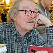 NLD/Amsterdam/20120310 - Feest der Letteren 2012 , Midas Dekkers signeert boek
