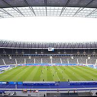 17.10.2020, OLympiastadion, Berlin, GER, DFL, 1.FBL, Hertha BSC VS. VfB Stuttgart, <br /> DFL  regulations prohibit any use of photographs as image sequences and/or quasi-video<br /> im Bild Stadioninnenansicht, Hertha-BSC-Fans<br /> <br />       <br /> Foto © nordphoto / Engler