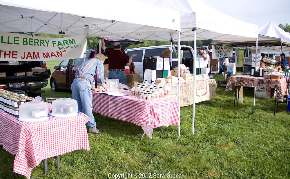 Outdoor farmers market.