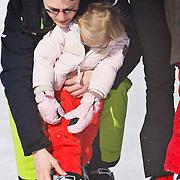 AUD/Lech/20110219 - Fotosessie Nederlandse Koninklijke Familie 2011 op wintersport in Lech, Constantijn en Leonore