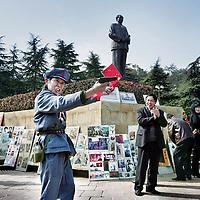 China, Shaoshan,7-7-2008..Mao-Route..Geboortedorp van Mao Zedong. Mao verering.